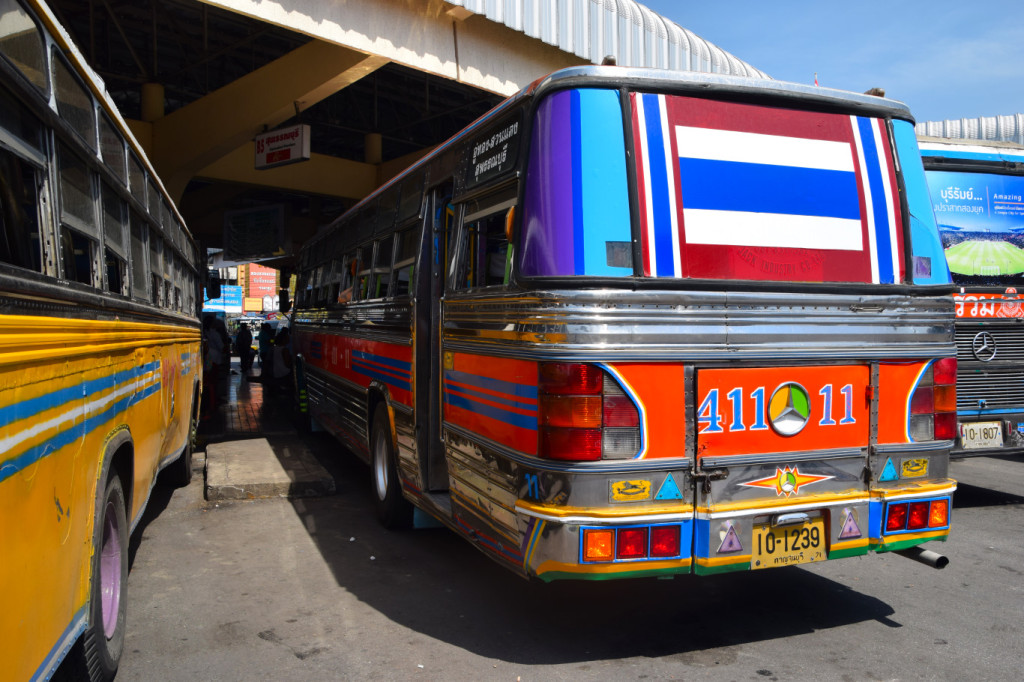Bus von Kanchanabur nach Subphanburi