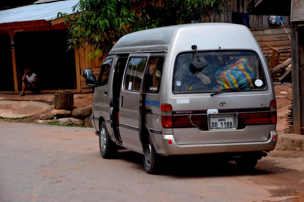 Bus nach Phonsavan